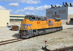 Smells so painty (GLC 392) Tags: new blue sky cloud sun up clouds la illinois afternoon pacific union fresh il electro motive division brand grange built emd 9019 sd70ace sd70ah