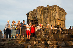 Krong Siem Reap (Quench Your Eyes) Tags: travel sunset asia cambodia southeastasia thom siemreap angkor phnombakheng wat biketour siemreapprovince templetown khmerkingdom angkorwatangkorthom northwesterncambodia