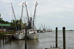 Shrimp boats in Darien, Georgia (Jimmie Fisher) Tags: altamahariver dariengeorgia shrimpboats