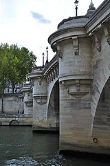 Pont Neuf (1) (AntyDiluvian) Tags: trip bridge paris france seine quai pontneuf iledelacite 2015 quaideconti