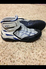 looking for a size 10 or 10.5 (Mowrestling138) Tags: asics brute wrestlingshoes singlets aggressors nike360 kolats inflicts flickrandroidapp:filter=none omniflexpursuits 54sogs