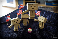 4 Flags Salut (Only in RAW ) Tags: japan canon toys happy robot amazon box weekend explorer mini days cardboard danny 365 danbo amazoncojp 366 toyphotography revoltech danbee danboard 366daysproject minidanbo