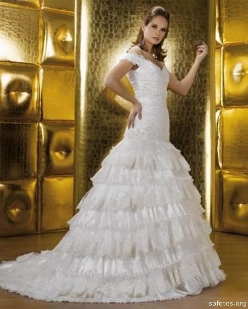 Vestido de noiva com babados lindo