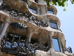 P1040973 (zest for life) Tags: barcelona madrid architecture spain bilbao gaudi guggenheim lasagradafamilia casabatllo parkguell casamila
