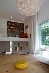 Innenansicht Wohnraum (Ralfi74) Tags: Detail Bayern Deutschland Lampe D  Fenster Lautsprecher Parkett Hell