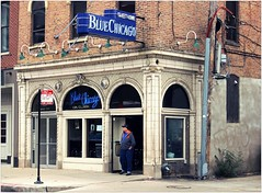 Blue Chicago (BalineseCat) Tags: street chicago bar blues clark ble