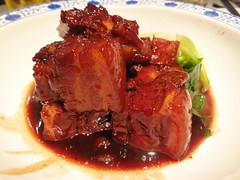 Red Braised Pork! @Shanghairenjia, Zhongshan Park, Shanghai (Phreddie) Tags: china park food chicken dinner cuisine restaurant yum shanghai chinese delicious pork eat zhongshan shanghairenjia hongshaorou 131011