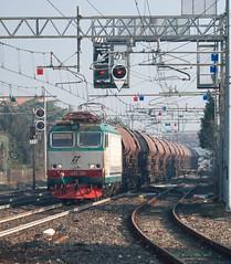 633.234 (atropo8) Tags: italy train italia merci zug cargo railways freight trenitalia veneto vision:text=0593 vision:outdoor=0826 vision:sky=0621 633234