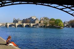 Paris / Sit down here, under the Pont des Arts (Pantchoa) Tags: blue paris france water seine river spring dock quay explore pontneuf blackwoman pontdesarts ledelacit d90 350mmf18gdx