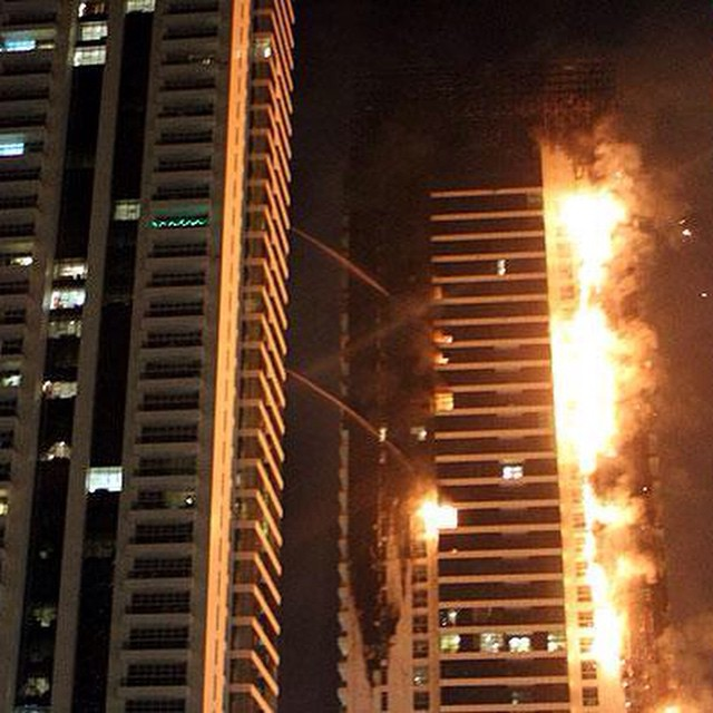 Light Tower Apartment: Dubai Fire: Fire Breaks Out At Dubai Torch Apartment