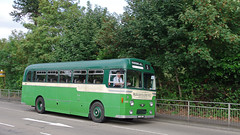 DB812.  AEC Reliance. (Ron Fisher) Tags: uk greatbritain england bus green pentax unitedkingdom transport gb publictransport farnborough reliance aec pentaxkx aecreliance aldershotdistrict farnboroughbusrunningday