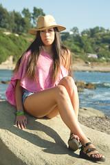 (oscar pinto fotografía) Tags: pink summer sexy beach girl beauty de oscar model women pretty models playa modelo fotos verano sombrero fotografia sesion pinto lota rosado