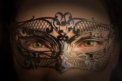 Mistrios de Veneza/Mysteries of Venice (Fandrade) Tags: carnival venice woman veneza mask mulher carnaval mascara venicecarnival maskedwoman carnavaldeveneza mulhermascarada