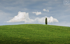 Beautiful Tuscany (Simone Giusti) Tags: sky italy cloud green beautiful landscape italia nuvola hill tuscany campo toscana valdorcia tuscanhills