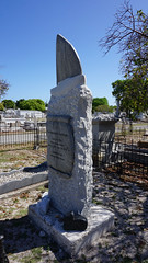 Key West Cemetery, FL (SomePhotosTakenByMe) Tags: city vacation friedhof usa holiday cemetery grave graveyard america keys island unitedstates florida outdoor urlaub tombstone insel stadt gravestone keywest grab amerika grabstein floridakeys keywestcemetery