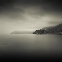 5 Terre - Studio#1 (LorenzoBPhoto) Tags: longexposure blackandwhite seascape monochrome clouds canon landscape monocromo fineart cielo waterscape allaperto