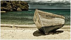 On the Beach . (:: Blende 22 ::) Tags: sky beach clouds strand dark boat cloudy curacao karibik carribian ef24105mmf4lisusm nikcolorefex canoneos5dmarkii dutchcaribbian hollndischekaribik