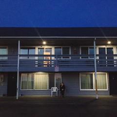 Motel on the beach (willietanner) Tags: beach oregon coast motel oregoncoast manzanita sunsetinn
