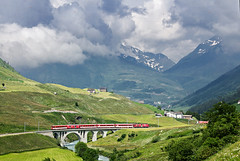 Svjc (tau280) Tags: summer color colors berg train canon eos schweiz switzerland photo foto image sommer july rail railway zug trains viaduct matterhorn juli bild szin szn kp bahn railways landcape vihar tj sturm zge andermatt hospental kleinbahn viadukt nyr vonat sznek hegyek 2013 jlius bahnen fot vast 60d kisvast vasut gotthardbahn svjc vonatok szinek bundesbahnen viharfelhk vasutak zumdorf vastak