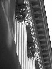 Un dtail de la faade principale du Grand Palais,  Paris. (Lejeune Grgory) Tags: paris france grandpalais
