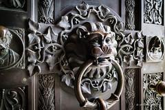 door keeper (piri198) Tags: castle canon handle eos lion burg lwe lightroom keeper trgriff wrter efm burghohenzollern eosm eosm3 lightroom6