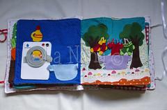 Quiet Book (6) (La Nana Handmade *Fabiola*) Tags: quiet book busy attivit children baby fabric activity sensory sensoriale preschooer asilo scuola materna