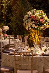IMG_0095_Julia_Ribeiro (marianabassi) Tags: casaitaim rústico romântico branco rosa arranjoalto mesaredonda cadeiratiffanydepátina sousplatderattan minirosa minirosanoguardanapo