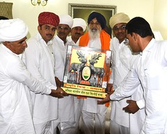 Parkash Singh Badal being honoured with the title of FRIEND OF TREES-Akali Dal (1) (Shiromani Akali Dal) Tags: punjab development parkashsinghbadal akalidal