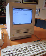 Apple Macintosh SE (Thomas Bindreiter) Tags: old apple computer word macintosh se pc mac jobs alt steve technik os software microsoft program programm elektronik applemacintoshse
