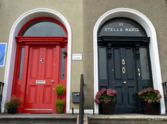 Dublin - Bray (9) (Ellenore56) Tags: door city ireland dublin irish window face strand facade town doors fenster front irland eire doorway stadt tür bray fassade cladding türen coastaltown irishsea frontage seasidetown strandroad irischesee küstenort dublinbray küstenstadt ellenore56 panasonicdmcfz38 26082013