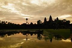 Gold Temple (- FMD -) Tags: sunrise gold travels cambodia angkorwat amanecer viajes angkor 1022mm camboya