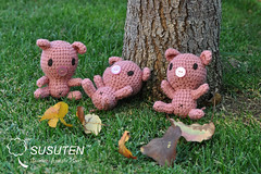Three Little Pigs (tiramisu_addict) Tags: toys pig handmade amigurumi crocheted madebyme piggie buta susuten