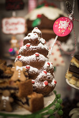 Chocolate Cake Christmas Tree (Cute Cottage Overload) Tags: christmas xmas cake weihnachten baking buffet kuchen christmasbaking cakebuffet weihnachtsbuffet kuchenweihnachtsbuffet