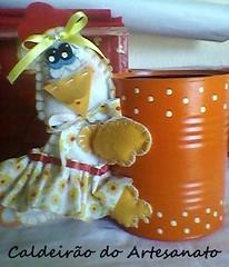 Lata com galinha em feltro (Caldeirão do Artesanato) Tags: portatreco latadecorada artesanatoemlata reciclandolata