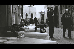 (MatteoDiEffe) Tags: city rome roma film 50mm blackwhite flickr films citylife trastevere 35mmfilm filmcamera ilfordhp5plus400 cinematic ilford yashica fx3 35mmblackwhite ilford400 blackwhitefilm shotfilm romestreets trustever hp5plus400 blackwhiteshots blackwhitecamera yaschicafx3 35mmblackwhitefilm cinematicshot cinematicstyle romeblackwhite yashicafx350mm flickrblackwhite matteodieffe yaschica50mm trasteverestreets matteodf trastevereblackwhite {vision}:{text}=0661 {vision}:{outdoor}=0964 {vision}:{car}=051