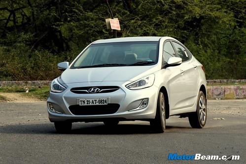 2014-Hyundai-Verna-12