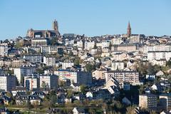 France, Aveyron, Rodez, vue gnrale (jpazam) Tags: france jour cathdrale extrieur printemps ville immeuble aveyron rodez sanspersonne