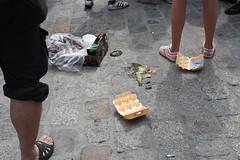 HRO-26-07-2013-78 (Hans Schlechtenberg) Tags: nazis protest tomaten rostock npd neuermarkt mecklenburgvorpommern antifa eier rassismus hansschlechtenberg hschlechtenberggmailcom