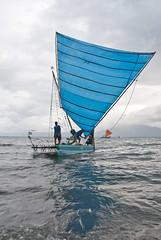 Sail going down (Sven Rudolf Jan) Tags: sailing traditional canoe papuanewguinea alotau canoeandkundufestival
