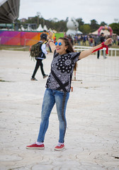 Lollapalooza Argentina 2016 (barnigomez) Tags: street music argentina argentine beauty festival canon happy dress moda streetphotography rosario chicas alegria mode mujeres vestido musicfestival belleza lollapalooza bellezas argentinos stylo argentinas porteas canonefs1785mmf456isusm strobist canon5dmark2 canon5dmarkii lollapaloozachile lollapaloozaargentina festivalstylo lollapaloozaberlin lollapaloozabogota