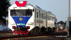 Rail Clinic (Aditya_Nurindar_Prasetyo) Tags: rail semarang clinic krd railways indonesian daop
