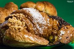 5 - Volumen - Volumen de ricas malas costumbres (Mnicabjarjurado) Tags: interior croissant pf dulces bollera alimentos volumen apetito proyectofotogrfico