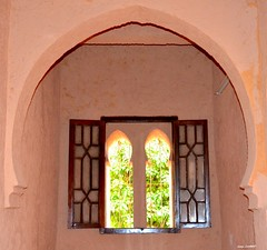 Fentre sur un printemps ternel (latifalaamri) Tags: architecture nikon maroc chaouen fentre ocre arche kasbah