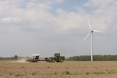 DUD_3931r (crobart) Tags: lake ontario windmill port erie dover