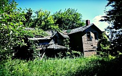 the Ideal situation... (BillsExplorations) Tags: old abandoned farmhouse rural vintage lost buried forgotten abandonedhouse ideal ruraldecay abandonedfarm abandonedillinois oncewashome