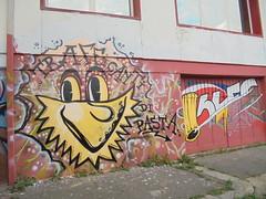 trafficanti di pasta (en-ri) Tags: sles tortellino torciglione giallo rosso pasta torino wall muro graffiti writing