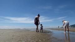 Cannon Beach Motherhood (tadnkat) Tags: baby cute beach motherhood