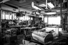 Workshop (HD_Keith) Tags: blackandwhite bw usa building architecture blackwhite structures architectural va floyd edifice edifices