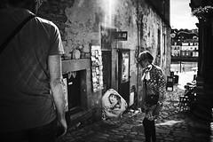 (thierrylothon) Tags: france monochrome flickr fuji lumire bretagne collection promenade fr morbihan publication noirblanc personnage c1pro auray captureonepro saintgoustan phaseone activit fujix100t fluxapple