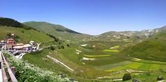 Veduta della piana da Castelluccio di Norcia, panoramica (alessiodl) Tags: panoramica norcia castelluccio